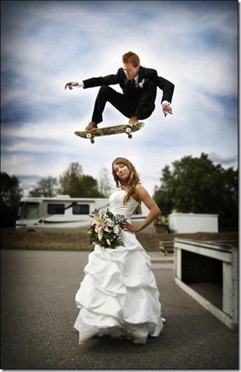 スケートボードのウェディングフォト