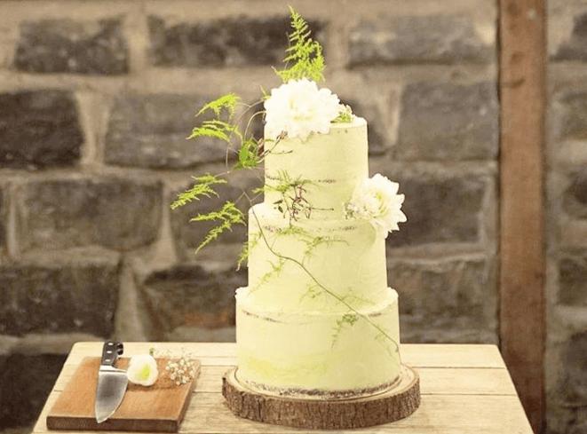 ナチュラルスタイルのウェディングケーキ