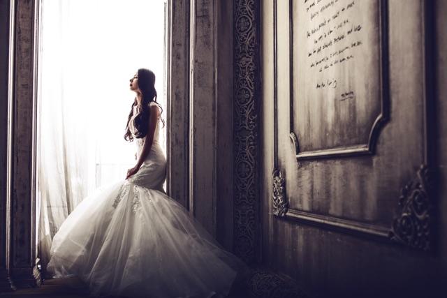 友人と結婚式のドレスが似ている